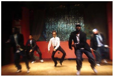 dancers_in_radial_blur1